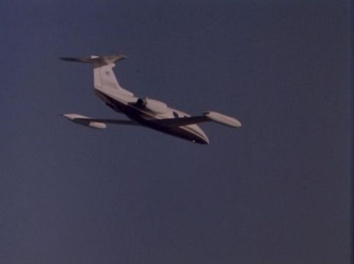 Airwolf 2.15 Learjet.jpg